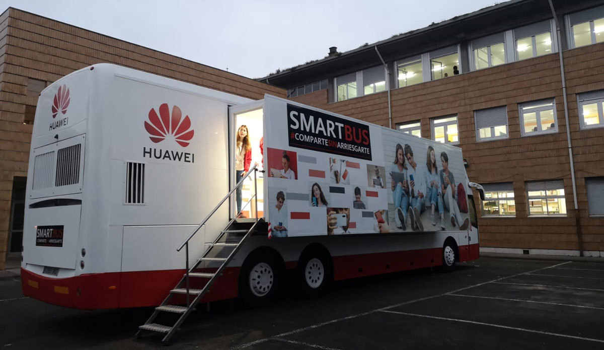 El Smartbus de Huawei España llega a Asturias