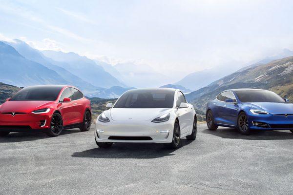 Tesla lleva sus vehículos a las pistas de esquí